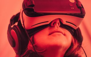 HOW VIRTUAL REALITY IS BRINGING CHANGE IN DIFFERENT INDUSTRIES | iNext Web and SEO